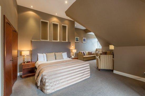Sherbrooke Castle Hotel Photo