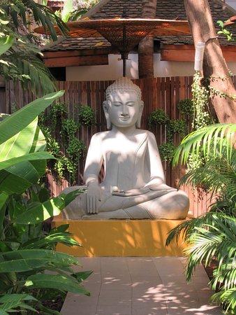 The Pavilion : Peace