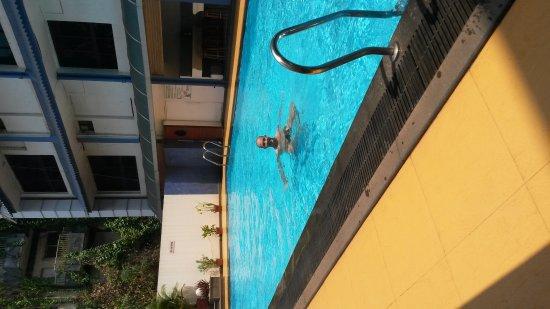 Hotel La Paz Gardens: 20170327_121033_large.jpg