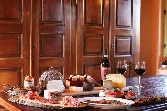 Castelnuovo Calcea, Италия: Per gli ospiti che soggiorno, se lo desiderano, possiamo predisporre sfiziosi apericena
