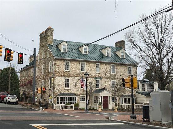 The Red Fox Inn & Tavern - Inn: photo0.jpg