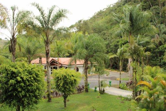 Hotel Rio Perlas Spa & Resort: Blick von der ersten Etage zur Rezeption.