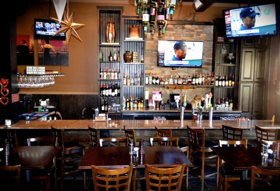 Greensboro, GA: Relax with friends in our beautiful bar area.