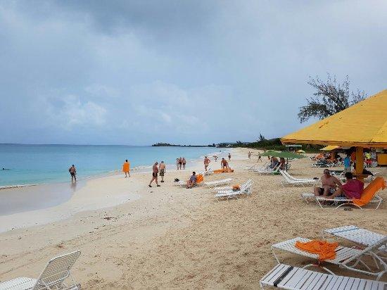 Runaway Beach: Praia com cara de Caribe