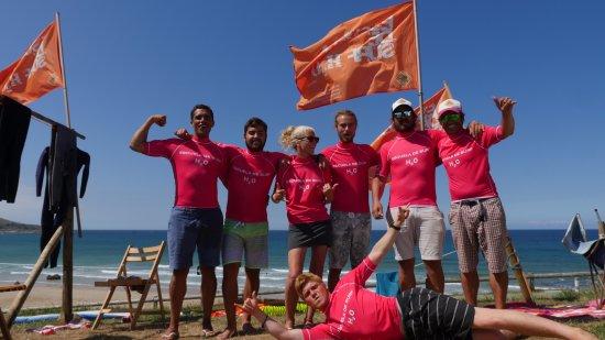 484e4524d5b7 Equipo. Nuestro capital humano  fotografía de Escuela de Surf H2O ...