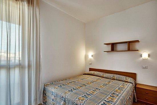 camera matrimoniale appartamenti con letto a castello (per 4 persone ...