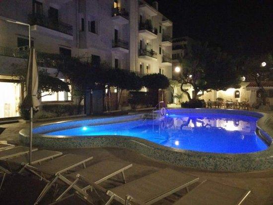 Hotel Ambasciatori: FB_IMG_1490721002760_large.jpg
