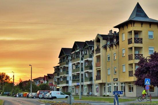 Tiszaujvaros, Hongarije: Scarpa