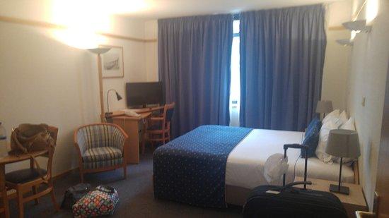 VIP Executive Eden Aparthotel: Regluar room