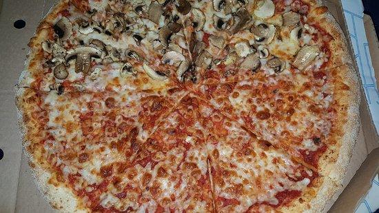 Ashkelon, Israel: Domino's Pizza