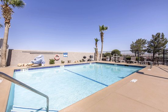 Pool - Picture of Baymont by Wyndham Barstow Historic Route 66, Barstow - Tripadvisor