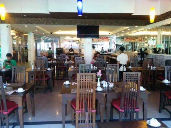 Rayaburi Hotel Patong: IMG_20170326_074431_large.jpg