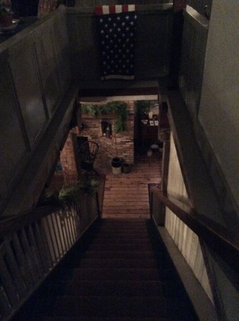 National House Inn: Staircase