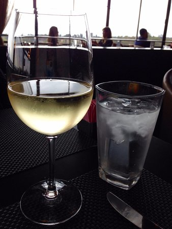 West Restaurant and Lounge: pinot grigio