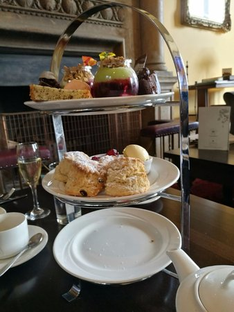 Guisborough, UK: Afternoon tea (minus sandwiches!)