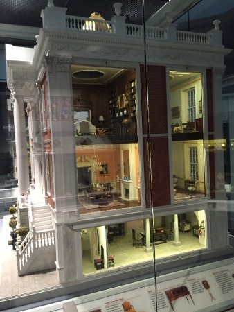Museum of the Shenandoah Valley: Incredible display from Taylor Miniture Gallery