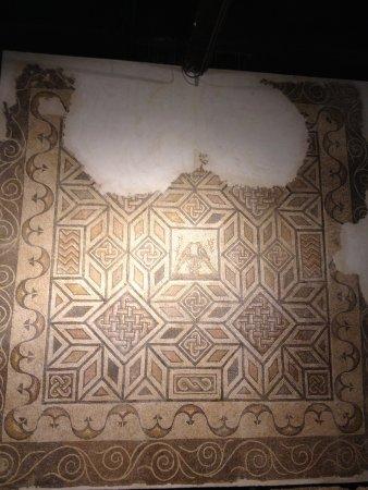 Antiquarium de Sevilla: mosaic