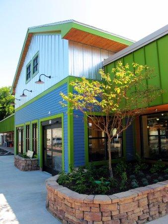 Marquette, MI: Store exterior