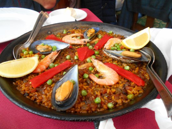 Restaurante El Carpathia: paella for 2