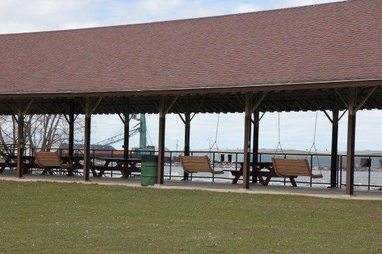 Lake Shore Park: Picnic tables and porch swings