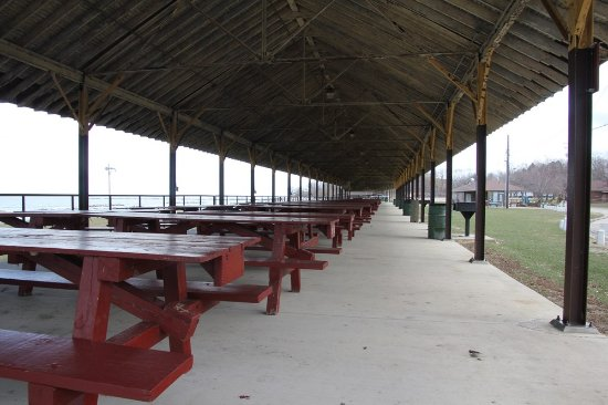 Lake Shore Park: This is huge!