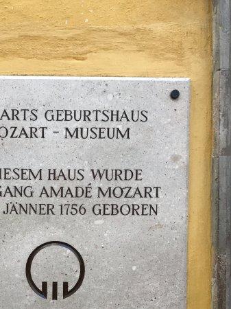 Mozart's Birthplace : Signage