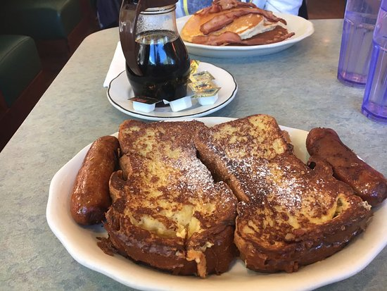 Long Island City, NY: french toast con salsiccia