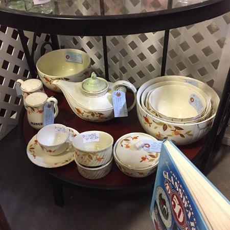 Goodyear, AZ: tea cup set