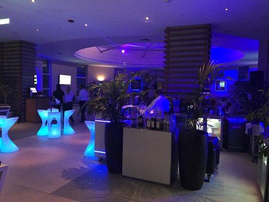 Grand Millennium Al Wahda: millennium al wahda hotel in Abu Dhabi - SkyLongue 31st floor