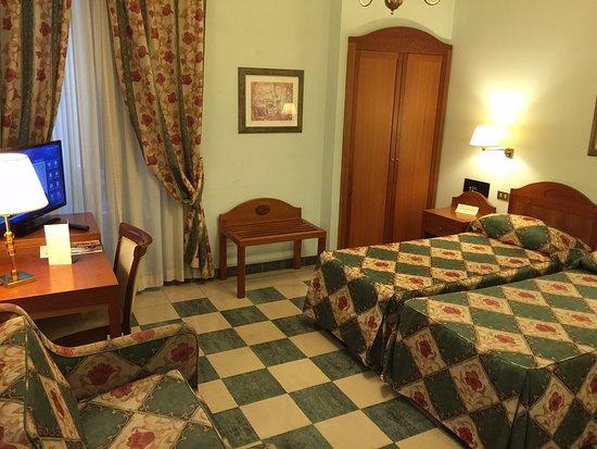 Aberdeen Hotel: Twin
