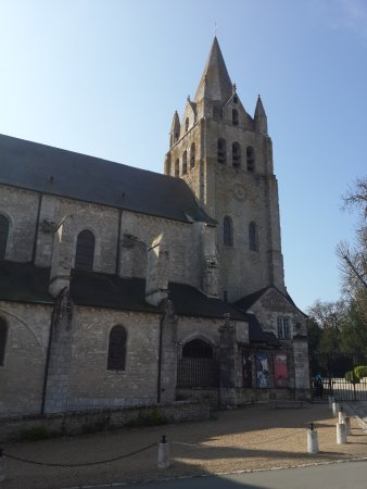 Meung-sur-Loire, France: Collegiale Saint Liphard