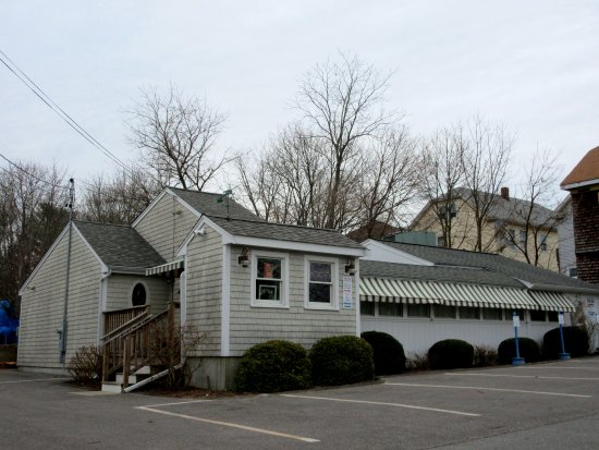Acushnet, MA: Exterior View