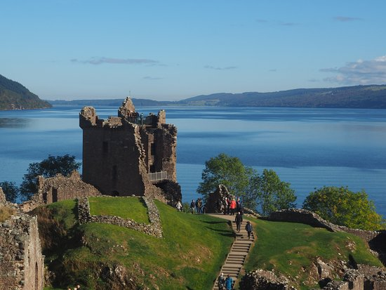 Urquhart Castle: great landscape with Loch Ness and Urquhart