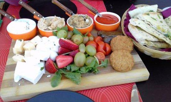 Senglea, Malte : Nice Mediterranean Platter