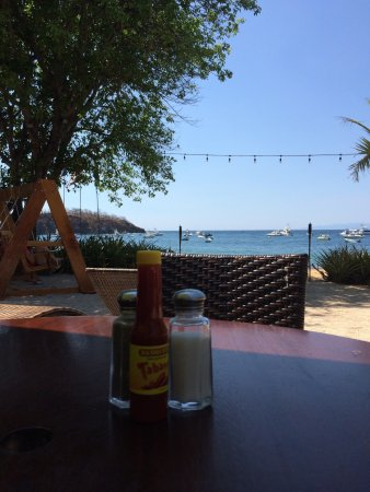 Father Rooster Beachfront Bar & Grill: photo0.jpg