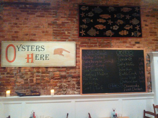 Hank's Oyster Bar menu board - Picture of Hank's Oyster Bar
