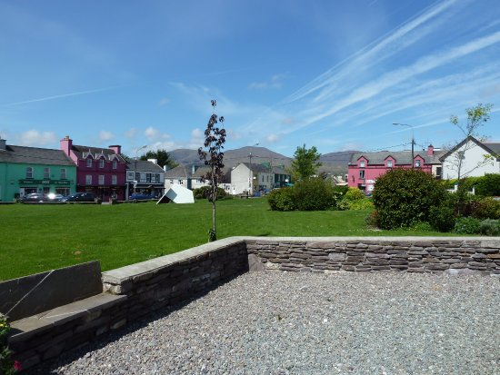 Town of Sneem: Town Green