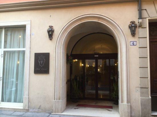 Hotel Cavour: Ingresso