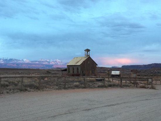 Archview RV Resort & Campground: Sunset off the clouds.