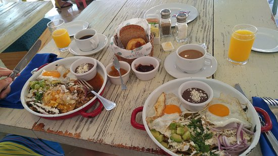 The Palm at Playa: Café da manhã