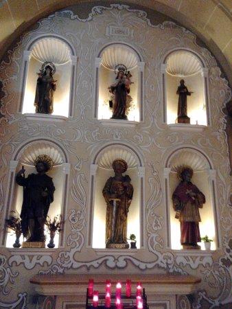 El Vendrell, Espagne : Varios Santos