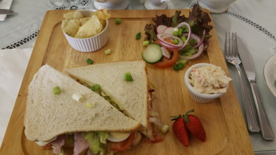 Out Rawcliffe, UK: Lovely lunch. Pot of tea and house special sandwich. Mmmmmmm