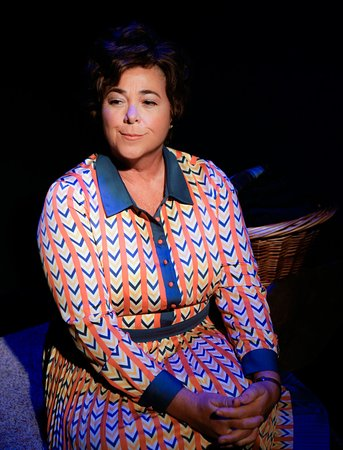 Florida Repertory Theatre: Erma Bombeck: At Wit's End (Carrie Lund)