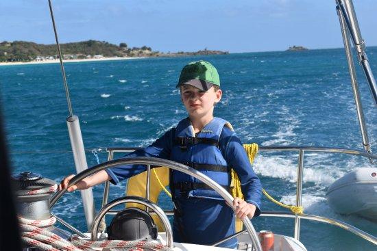 سانت جونز, Antigua: Captain elliot