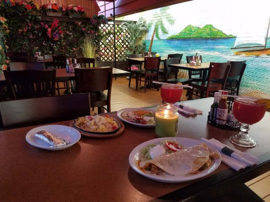 Jose's Authentic Mexican Restaurant: Relaxed dining in our new enclosed patio area in Baraboo.