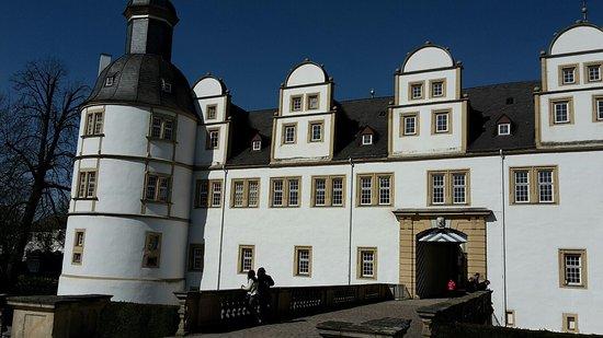 Schloss Neuhaus: photo0.jpg