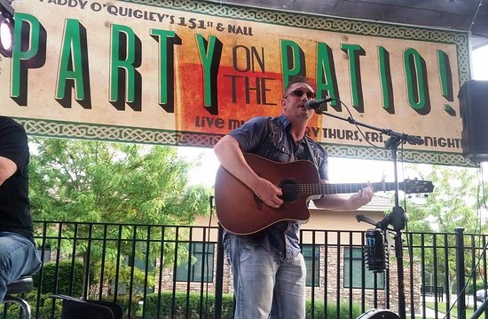 Leawood, KS: Live acoustic music on the patio - Thur, Fri, and Sat all spring, summer, & fall