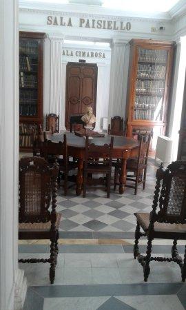 Museo del Conservatorio San Pietro a Majella: biblioteca