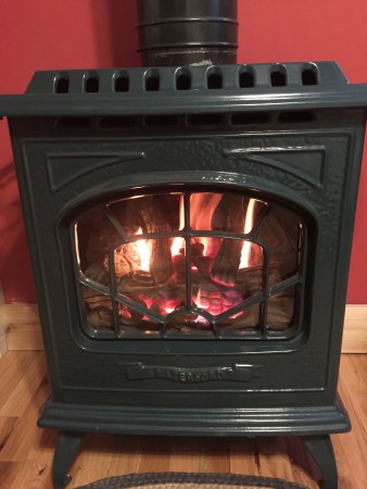 Welch Mountain Chalet Bed & Breakfast: Waterford Stove
