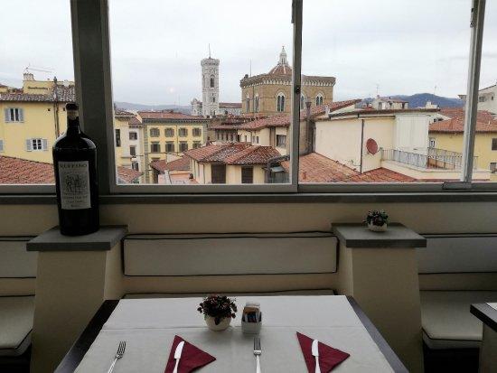 Hotel Della Signoria: Panorama dalla sala colazione